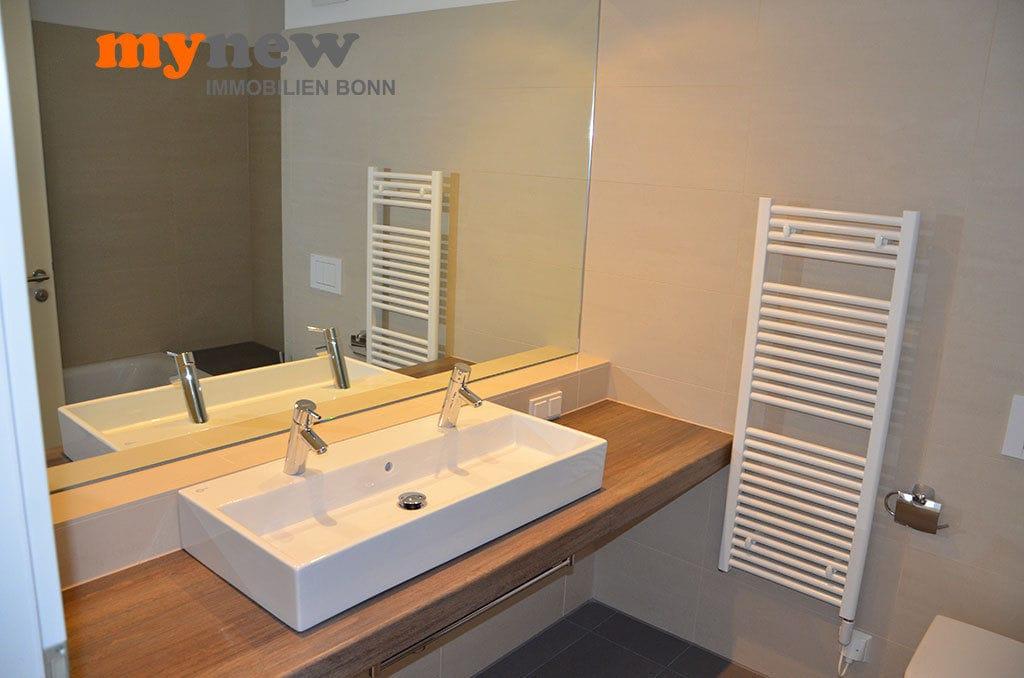 Drei-Zimmer-Wohnung-Finkenhofpark-D15-Badezimmer