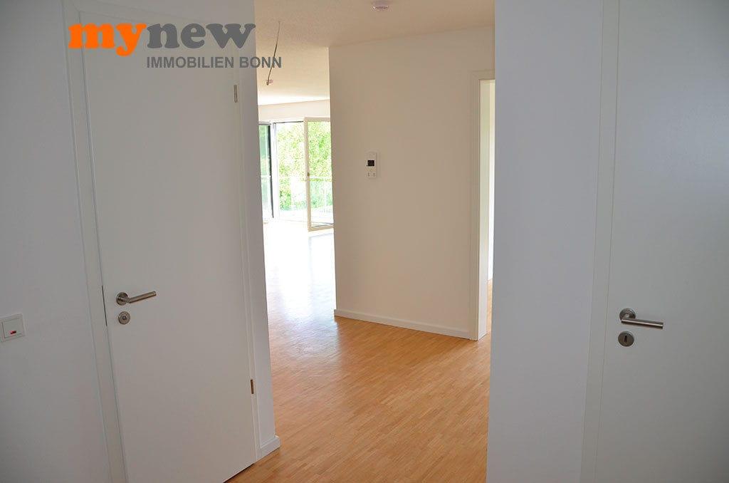 Drei-Zimmer-Wohnung-Finkenhofpark-D15-Flur-2