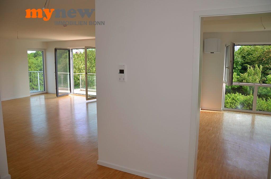 Drei-Zimmer-Wohnung-Finkenhofpark-D15-Flur-Suedblick