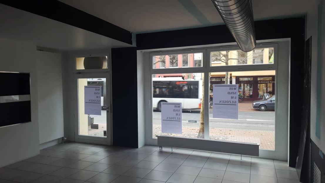Poppelsdorf-Ladenlokal-Fensterfront-Innen